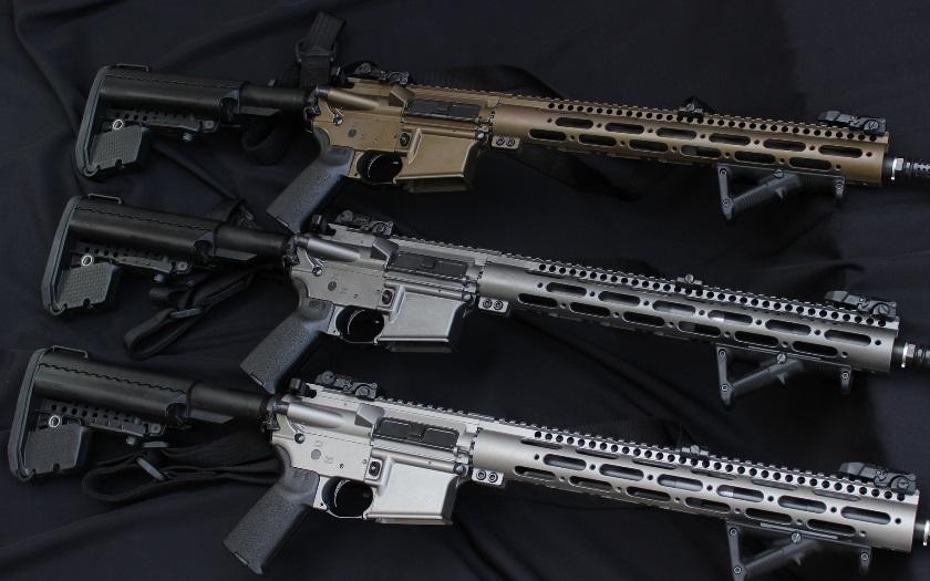 Vnitro chce kvůli bezpečnosti povýšit právo použít legální zbraně