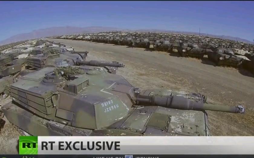VIDEO: Vítejte na masovém hřbitově vojenské techniky v Americe