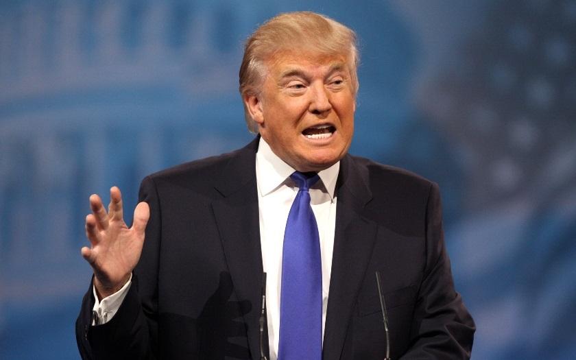 Trump vzkazuje CIA: Jsem s vámi na tisíc procent
