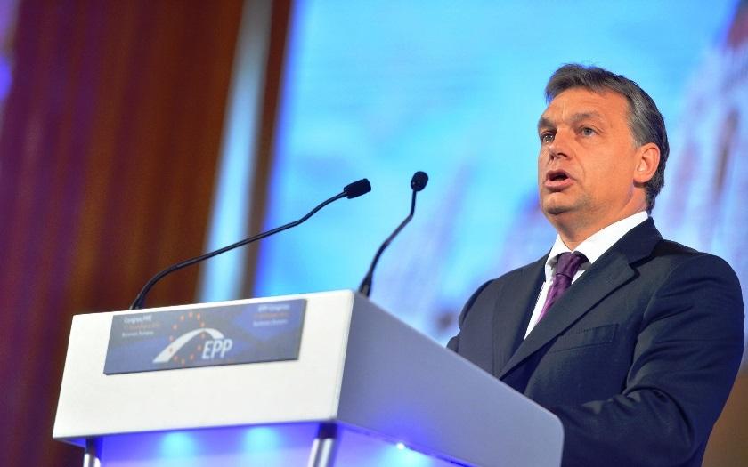 Maďarsko vrací úder EU:  Přestaňte být naivní ohledně migrační krize