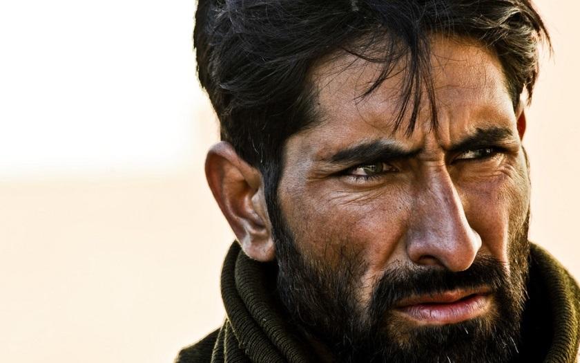 Afghánský migrant brutálně zabil mladou ženu. Její děti se musely dívat