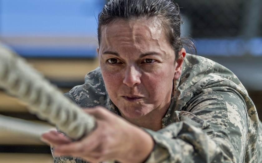 Ženy do armády patří, ale ne na všechny pozice (komentář Lumíra Němce)
