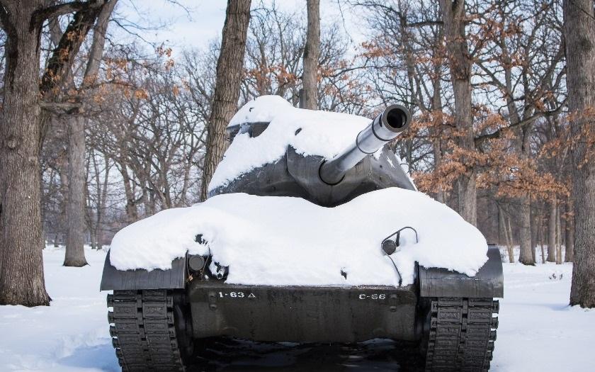 VIDEO: Co dokáže účinně zastavit jedoucí tank? Podívejte se na video
