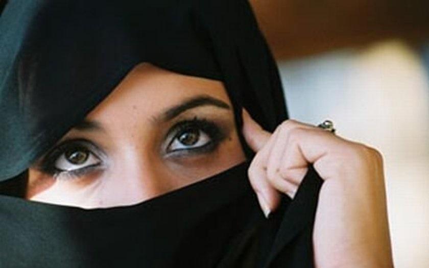 Zaměstnavatelé mohou zakazovat islámské šátky, rozhodl Evropský soudní dvůr