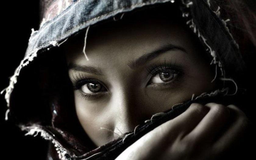 Soudce nařídil, aby si muslimská žena u jednání sundala šátek. Je to diskriminace, zuří její právnička