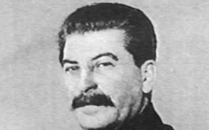 VIDEO: Našel se unikátní barevný záznam Stalinova pohřbu. Natočil ho Američan