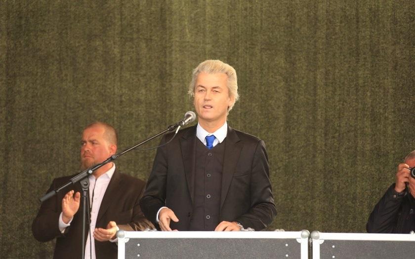 Zakročím proti marocké imigrantské lůze, zahájil ostře předvolební kampaň Wilders
