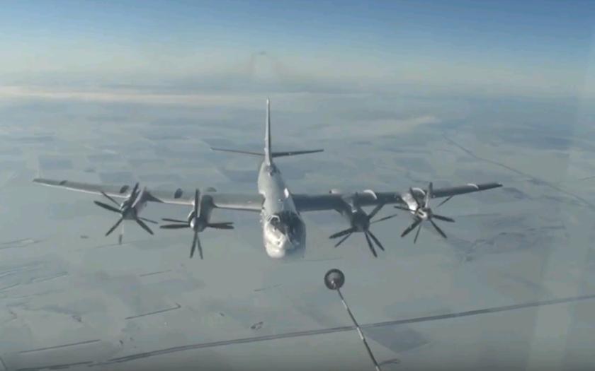 (VIDEO) Nálety Su-25 a Tupolev Tu-95 v Sýrii