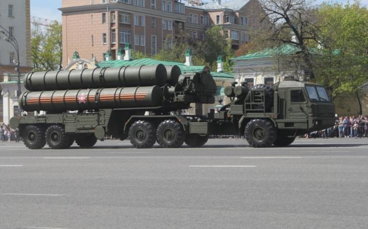 Rusko dodá Indii protiraketové systémy S-400 za pět miliard