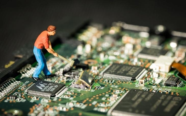 Obrana je také útok, říká ohledně problematiky kybernetické obrany v rozhovoru pro SECURITY magazín poslanec Stanislav Huml