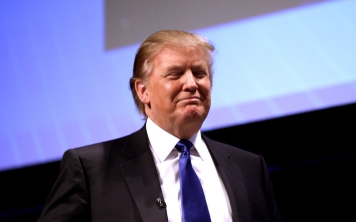 Trump zřejmě podepíše upravený protiimigrační dekret