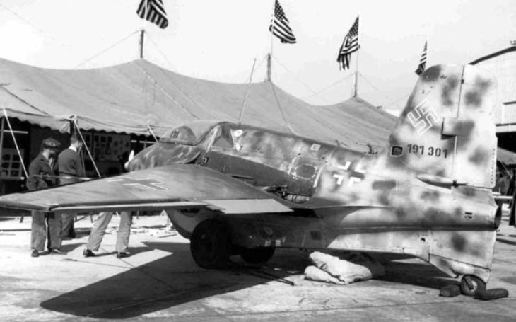 Dánský školák našel na poli trosky legendárního messerchmittu i s ostatky pilota