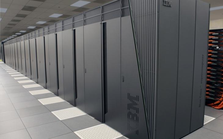 Čína dotáhla USA v superpočítačích