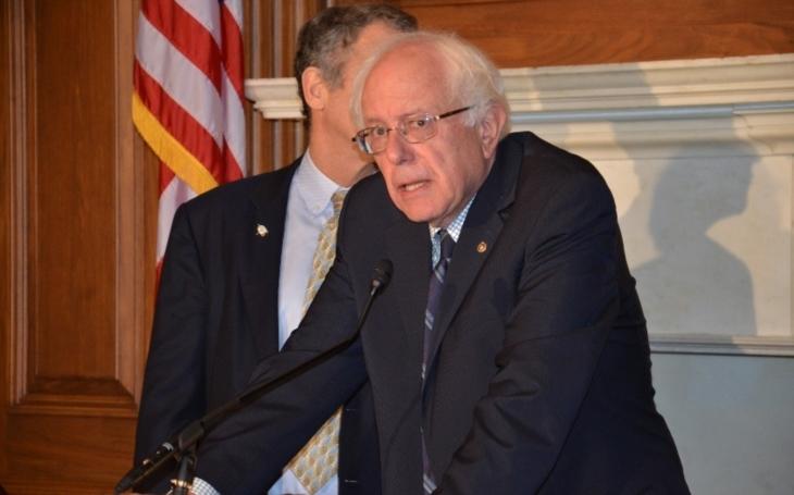 Senátor Bernie Sanders: Trump je patologický lhář, který pracuje na rozložení naší demokracie