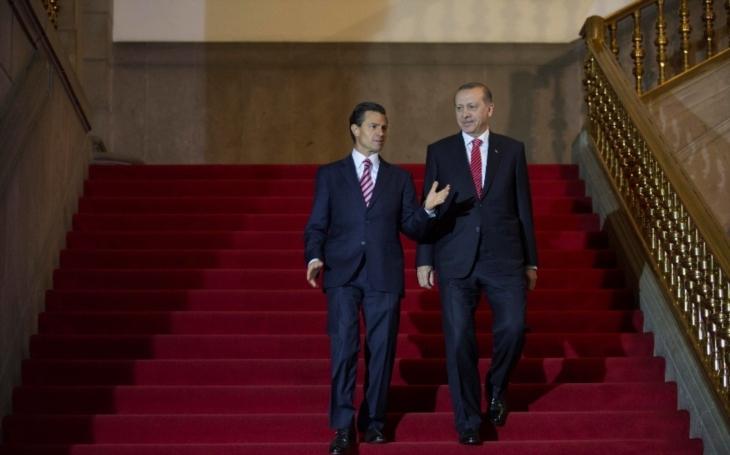 Jste hlavním městem fašismu a chováte se jako banánová republika, prohlašují o Nizozemí vrcholní turečtí představitelé
