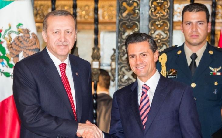 Erdoganova pomsta: zakázal přistát nizozemskému velvyslanci v Turecku a zrušil  turecko-nizozemská jednání na nejvyšší úrovni