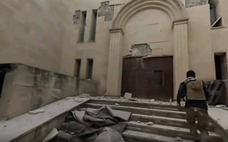 (VIDEO 360 °) Prehliadka zničeného starovekého múzea v  Mosule