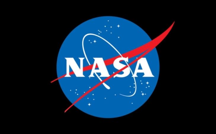 NASA zverejnila fotografie ''marsovského tornáda.''