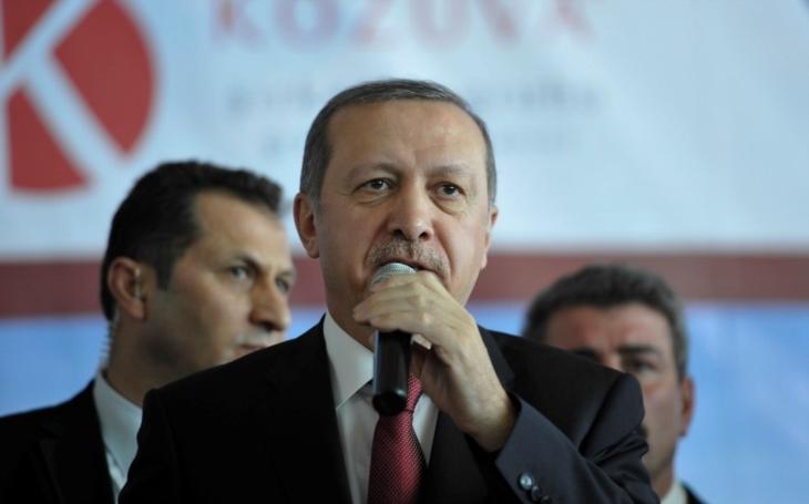 Turci chtěli ještě mocnějšího diktátora. Teď ho mají beze zbytku