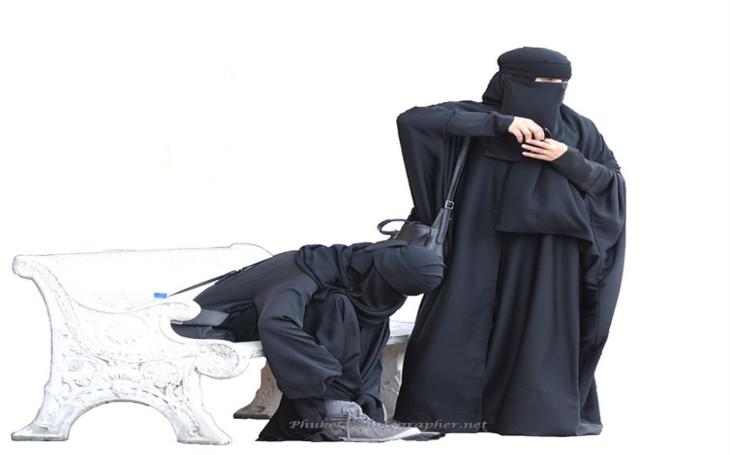 Nejste ve své kůži vedle muslimky? Německé dráhy natočily tolerantní video