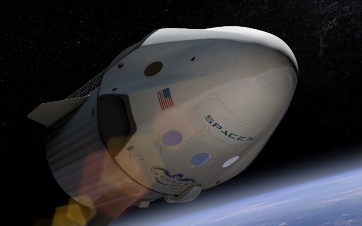 Vesmírná loď Dragon přistála v Pacifiku po úspěšné misi k ISS