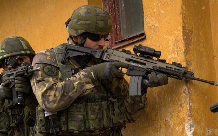 VIDEO: Osvědčená taktika SAS v boji: Suchý zip vás už neprozradí