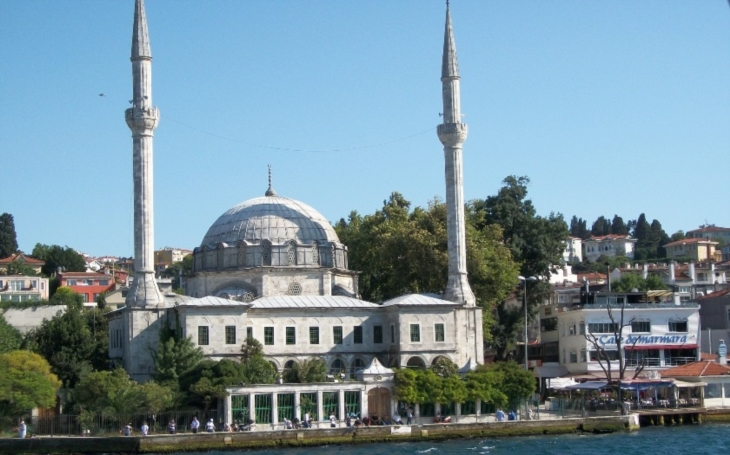 Bruselský starosta varuje: Všechny naše mešity jsou ovládány salafisty. Ví to každý