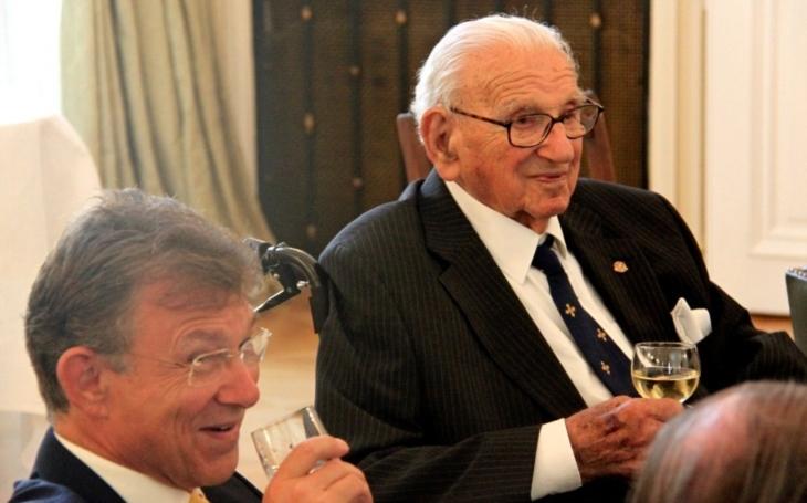 Tento muž zachránil pred holokaustom 669 československých detí. V relácií BBC netušil, že sedia vedľa neho