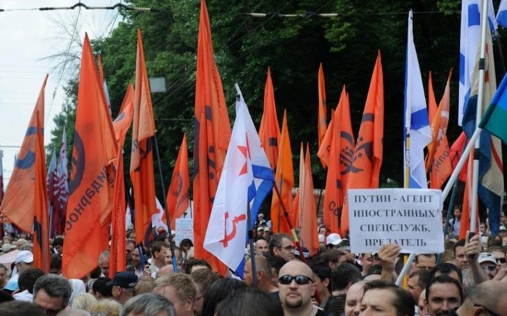 Do ulic Moskvy vyšly tisíce lidí protestovat proti korupci. Policie ještě před demonstrací zatýkala