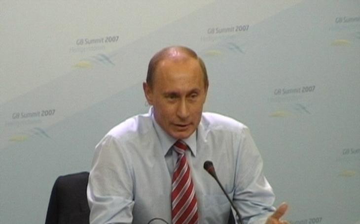 Putin pochleboval íránskému prezidentovi: Naše diplomacie trvá 500 let, obchody závratně rostou