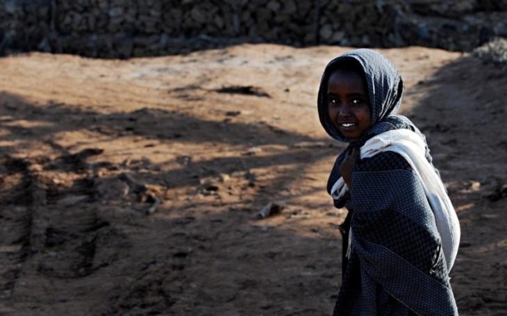 Šokující video: Kuvajtská žena odmítla pomoci Etiopance, která se pokusila o sebevraždu