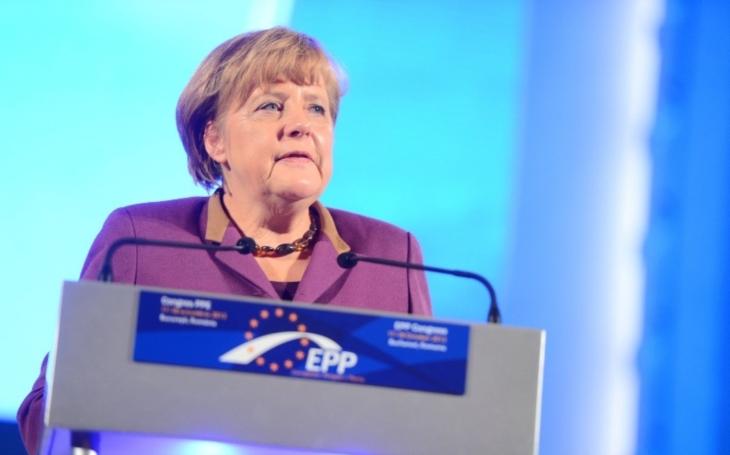 Osídlujte německý venkov a více se zajímejte o náš způsob života, vyzvala Merkelová migranty