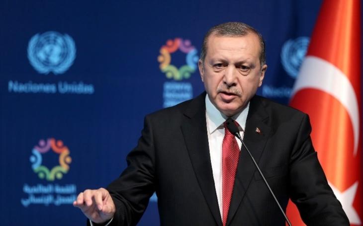 Česká republika hodlá předhodit spořádaného Kurda Erdoganovi. Kde končí patolízalství vůči Turecku? (komentář Lumíra Němce)