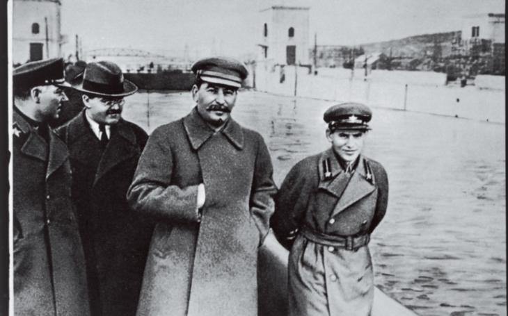 Stalin si nechal triumf nad nacismem potvrdit dvakrát