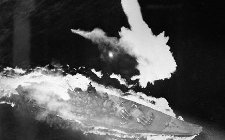 Před 74 lety šla ke dnu největší bitevní loď světa Jamato