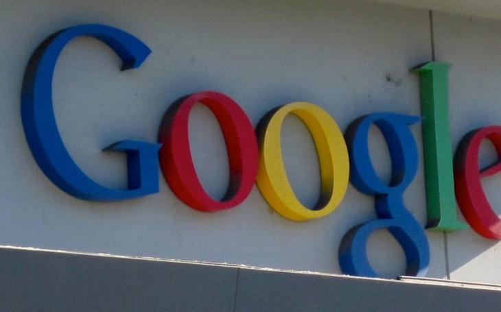 Google jde proti falešným zprávám, začíná s ověřováním výsledků