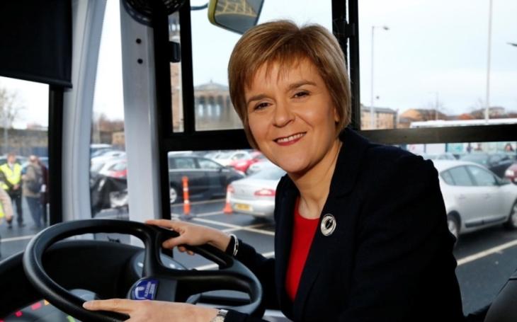 Skotská premiérka po americkém vojenském úderu: přijměme více syrských uprchlíků