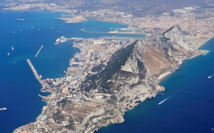 Británie by měla sdílet společnou suverenitu nad Gibraltarem se Španělskem, navrhuje bývalý britský ministr