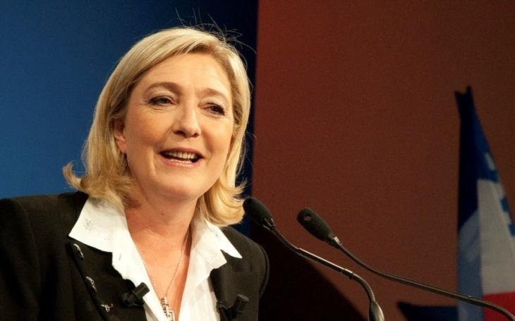 Le Penová: Když mě zvolíte, uspořádám do šesti měsíců referendum o vystoupení Francie z EU