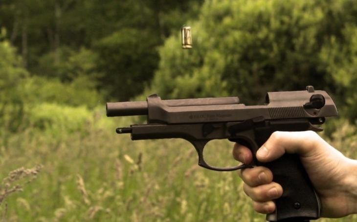 Ústavní právo na zbraň o krok blíž. Senátoři projednají petici 100 tisíc občanů na jeho podporu