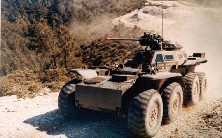 XM-808 Lockheed Twister - obrněné vozidlo s kloubem