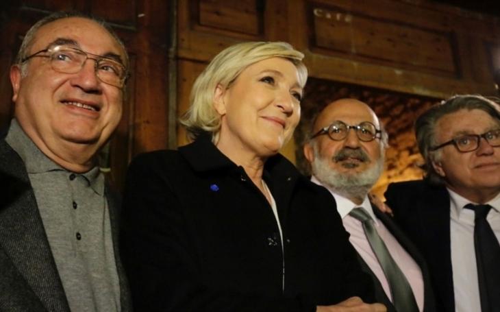 Le Penová kritizuje Trumpa za to, že změnil názor na NATO