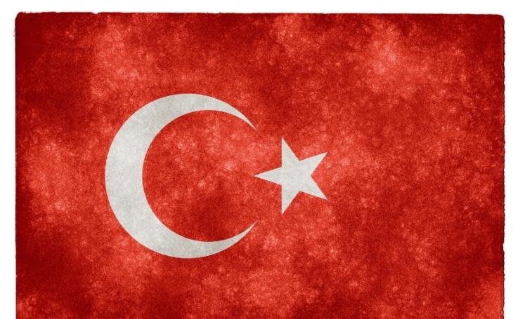 Hlavní turecká opoziční strana žádá zrušení výsledků referenda