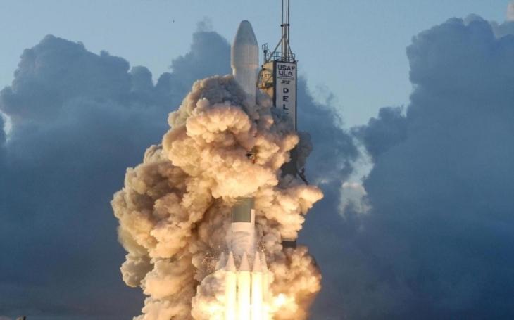 První čínská nákladní loď odstartovala do vesmíru