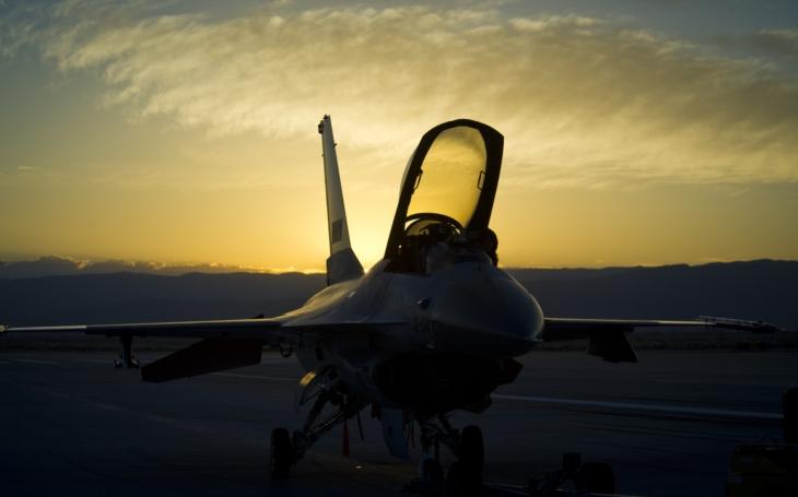 Bezpilotní F-16 se naučila útočit a zabíjet