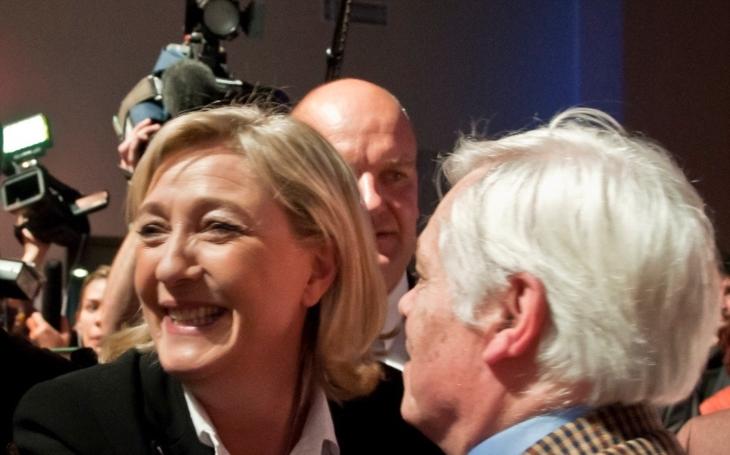 Le Penová dostala významnou podporu. Chce ji volit přes polovina policistů, ukázal průzkum