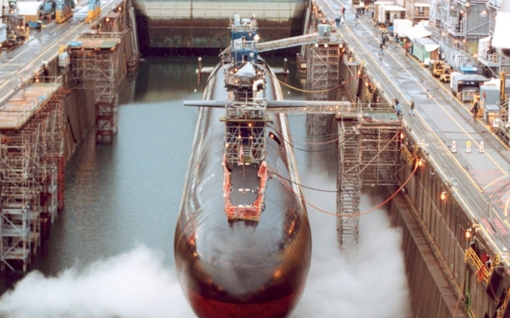 VIDEO: USA zvyšují tlak na KLDR. Atomová ponorka USS Michigan dorazila k jihokorejským břehům