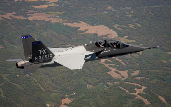 Video: Druhý cvičný letoun Boeing T-X ve vzduchu
