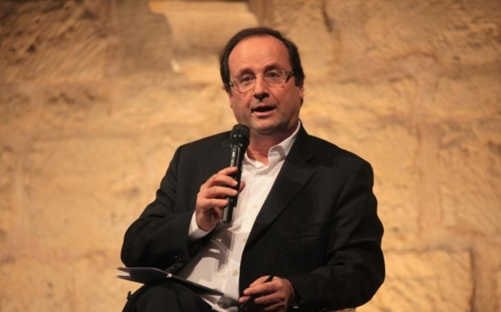 Hollande: Nevolte Le Penovou, v sázce je osud Evropy!