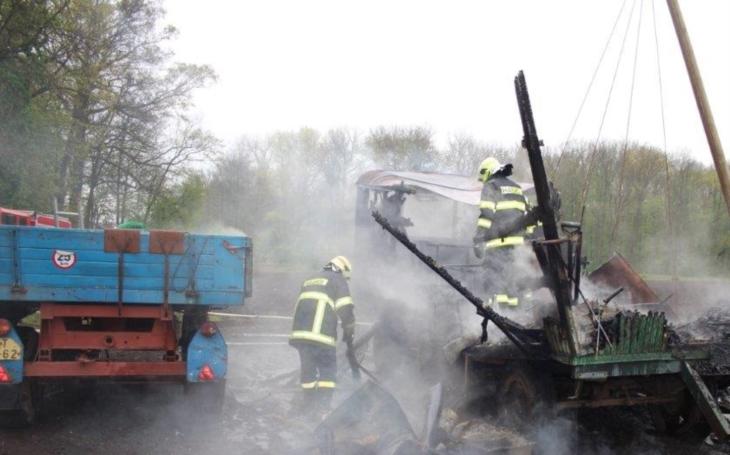 Požár zničil maringotku na Litoměřicku